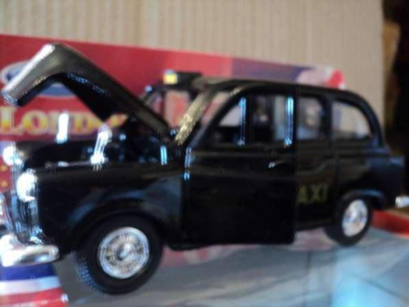 Масштабная модель London Taxi