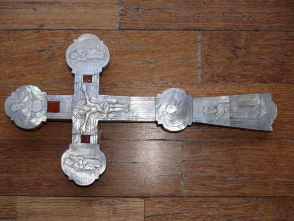 Православный напрестольный крест из перламутра, украшенный изысканной резьбой. Иерусалим, XVIII век