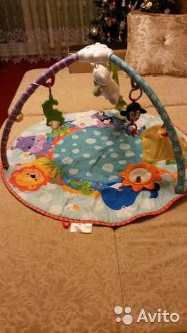 детский развивающий коврик с игрушками