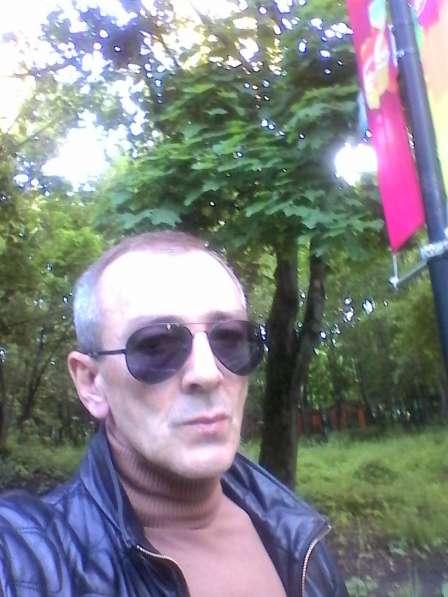 Ислам, 43 года, хочет познакомиться в Москве