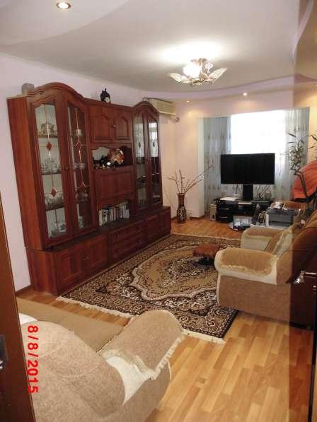 Продам по привлекательной цене свою 3 комн. квартиру в центр