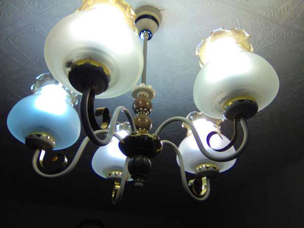 Люстра на 5 лампочек