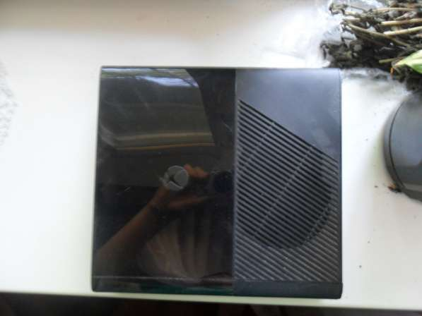 Продам консоль XBox 360 E