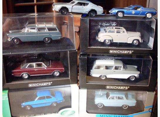 Старые советские и зарубежные автомодели в Москве фото 12