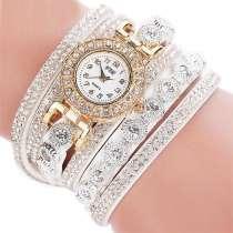 Продам часы, кожаный ремешок с стразами и браслеты, в г.Севастополь