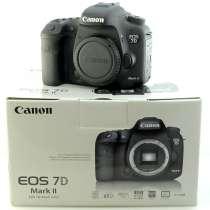 Canon EOS 7D Mark II + 18-55 мм EF-S f / 3.5-5.6 IS STM-объе, в Грозном
