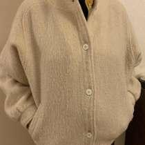 Куртка женская из шерсти альпака белая, в г.Москва