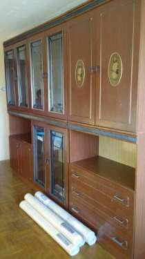 Отдам даром Стенка 3-х секционная и шкаф, в Челябинске