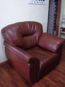 Натур. кожа. Цвет темно-коричневый. кресло+диван, в Перми