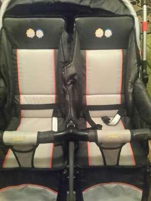Детская коляска для двоини