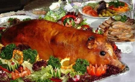 Маленька свиночка (запечена --у власному соку).Для компанії