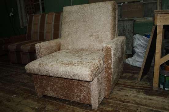 Мягкое кресло выкатное 70 в плюше