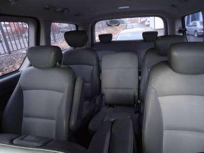 микроавтобус Hyundai Grand Starex