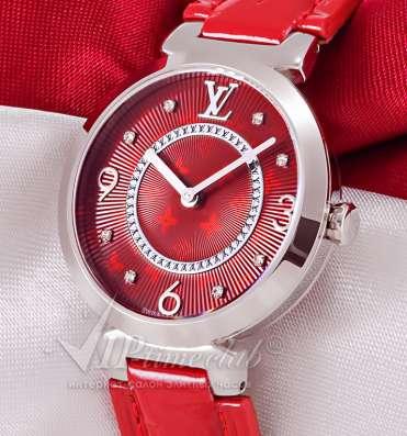 Часы Tambour Bijou Chinese New Year от Louis Vuitton