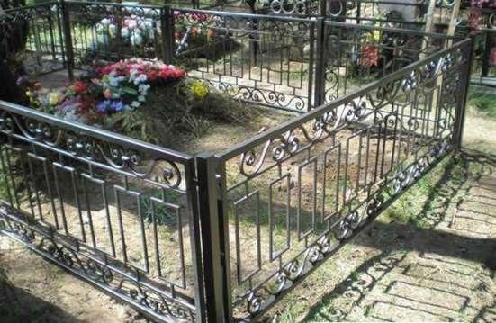 Изготовление оград на кладбище в Химках Фото 1