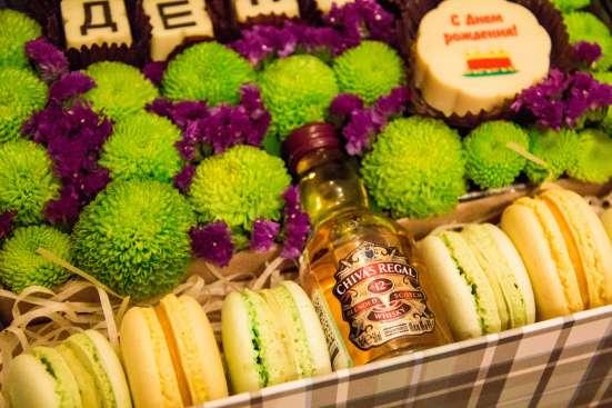 Цветочные композиции в подарочных коробках