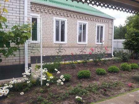 В Кропоткине по Комсомольской дом 170 кв.м. на участке 6 сот
