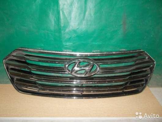 Решетка радиатора Hyundai Santa Fe - 2013г