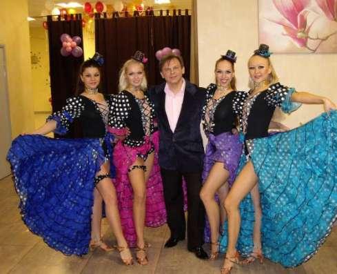 Ведущий праздника Виктор Баринов и DJ Lana успех любого праздника.