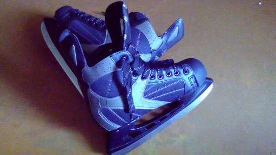 Хоккейные коньки 39 и 43.5 размеров