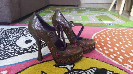Оригинальные туфли Prada