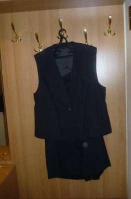 Костюм женский (юбка и жилет)