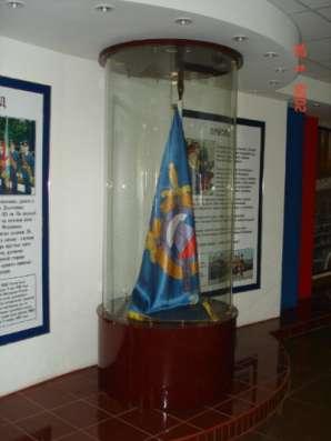 Витрина под знамя