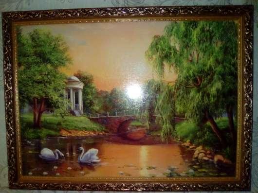 Картина 2 лебедя на озере в Москве Фото 2