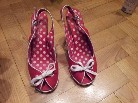 Туфли красные текстильные 38р Устойчивый каблук в Москве Фото 5