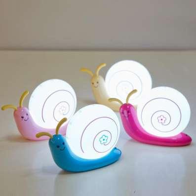 Настольный светильник 0.5W малиновый (Улитка)