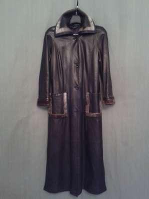 Кожаное чёрное классическое пальто с оторочкой из НЕРПЫ в Москве Фото 1