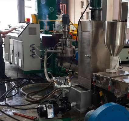 ПРОДАМ гранулятор с производительностью 280 - 300 кг