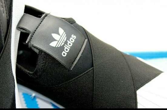Новинка от Adidas!Очень удобные и стильные!