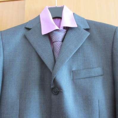Продам костюм, рубашку, галстук