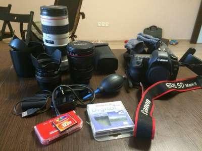 профессиональный фотоаппарат Canon 5D Mark II