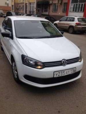автомобиль Volkswagen Polo