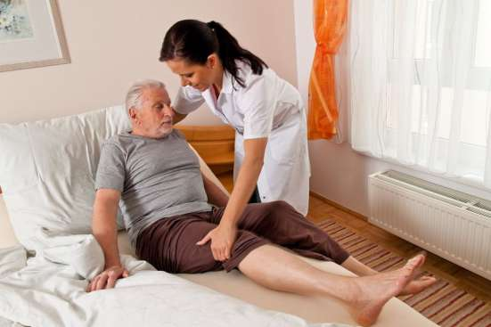 Сиделка в больницу и сиделка на дому