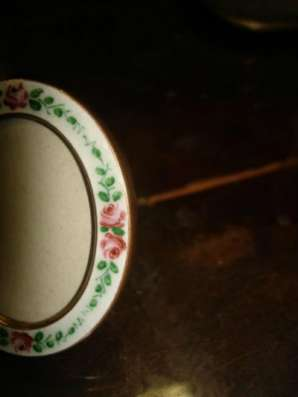 Старинная рамка-малютка со стеклом