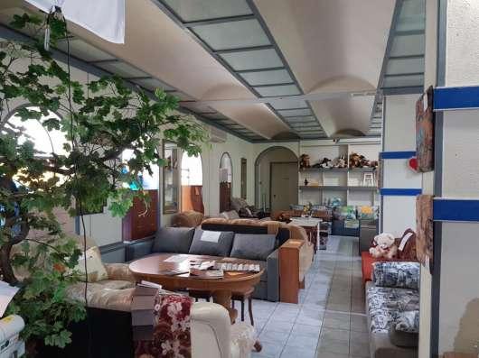 Торговое помещение, 1231 м²