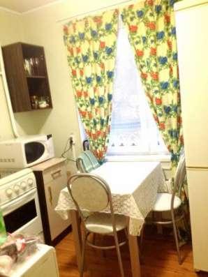 Сдается койко-место в двухкомнатной квартире на длительный срок в Москве.