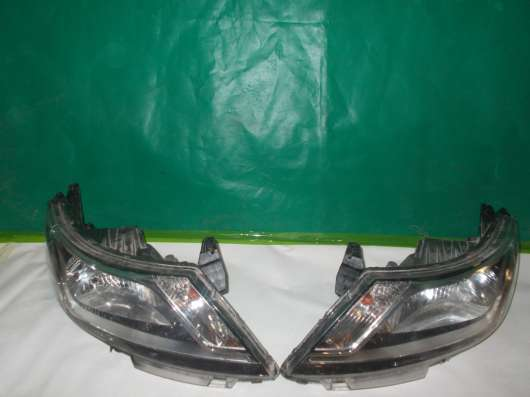 Комплект фар на Kia Rio 3 - 2012-14г