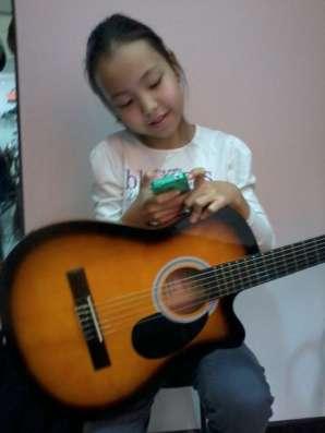Обучаю игре на шестиструнной гитаре и электрогитаре