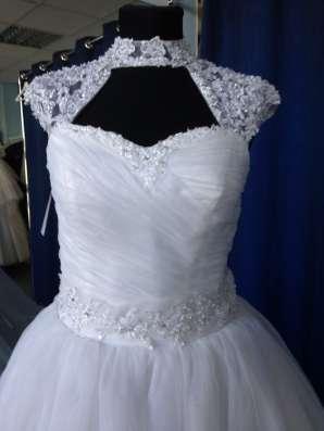 Пышное свадебное платье со шлейфом и маечкой в Москве Фото 2