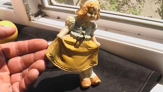 Игрушка немецкая кукла качающаяся