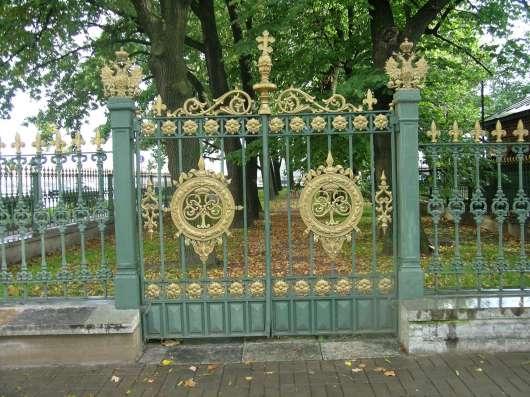 Еврозаборы с барельефом льва в Кемерове Фото 2