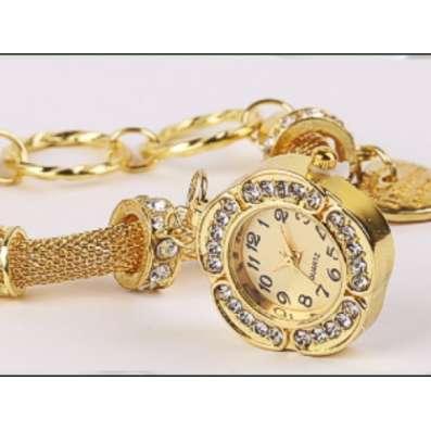 Часы Pandora на металлическом плетёном ремешке