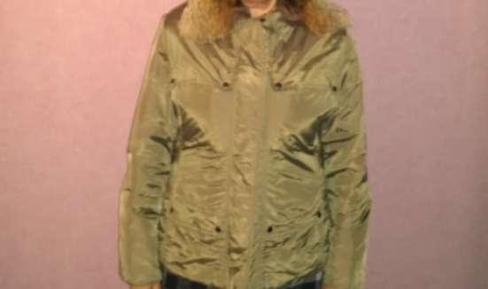 Куртка из плащевки, 46-48 р., песочного цвета, малоношена