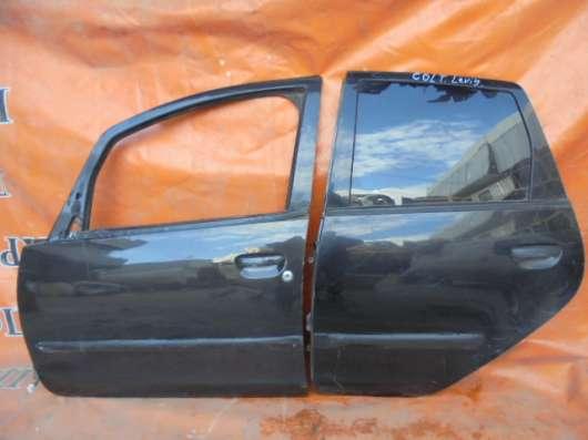митсубиси кольт 2007 дверы передний задннй  левый  всборе