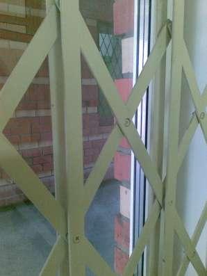 Решетчатые раздвижные двери
