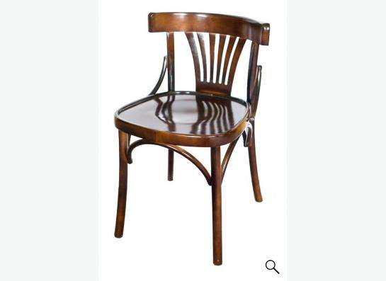 Деревянные венские стулья и кресла